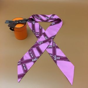 Hermès Twilly Buldoc Logo Ribbon Silk Scarf/Wrap